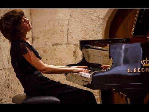 Ekaterina Derzhavina plays Bach Suite in C minor, BWV 997 (Lute Partita) - live 2007 mp3