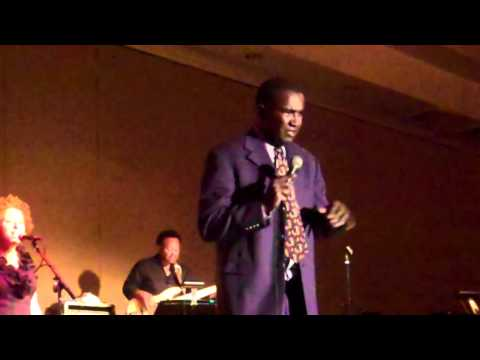 """Louis Price of the Temptations performs """"I Believe I Could Fly"""" Live at La Quinta"""