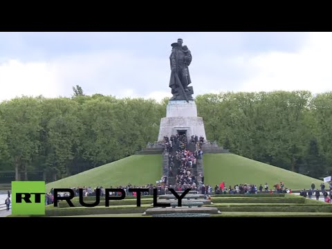 LIVE: Victory Day celebrations at the Soviet War Memorial in Berlin