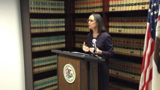 Lisa Madigan offers advice to students
