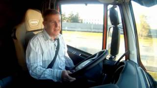 TruckWorld TV - Tim road tests the Iveco Stralis