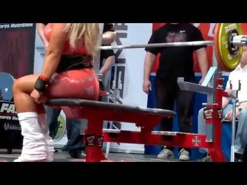 Minna Pajulahti and 110kg raw bench press 2014 in NFE