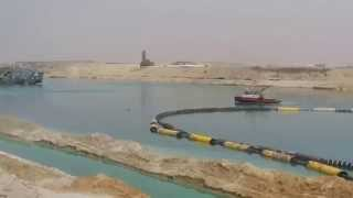 See 10 dredgers Tamell day and night in the central sector of the Suez Canal new March 28, 2015