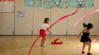 4歳年中さんのえれぽん、園で教えてる新体操教室の体験をしました。い...