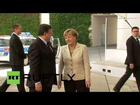 Germany: See Merkel embrace Barroso ahead of Western Balkan conference