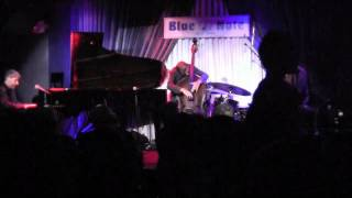 "Pilc/Moutin/Hoenig: ""Honeysuckle Rose"", Live at the Blue Note"