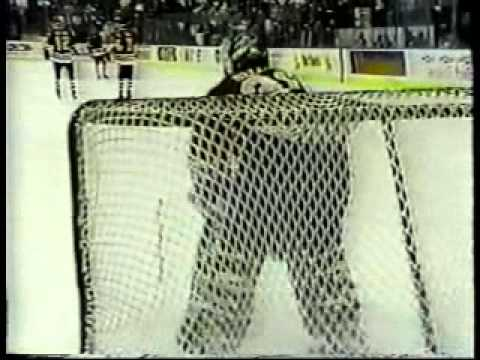 1992-93 - Blackhawks @ North Stars - Final Minute for Stars at Met Center