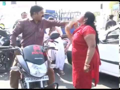 Indian Lady fight with policemen ./viral video/ india funny