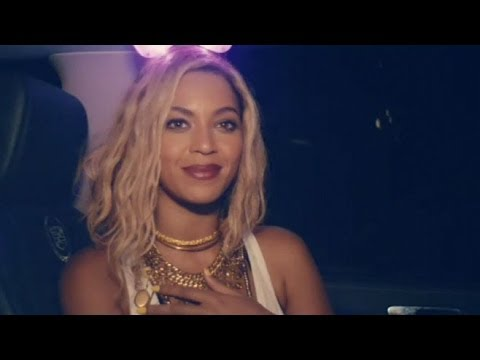 Beyonce's Secret New Album Tops the Charts