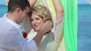 Яркая свадьба в Доминикане. Салатовые пионы? С нами возможно всё.