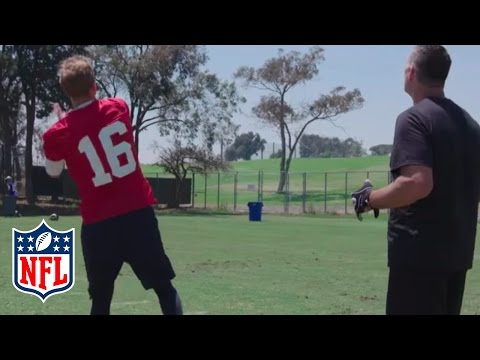 Rams Training Camp: Warner vs. Goff in Trash Can Toss, Catching up with Gurley & More! | NFL Network