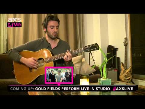 """Ari Hest Performs """"Something To Look Forward To"""" on AXS Live"""