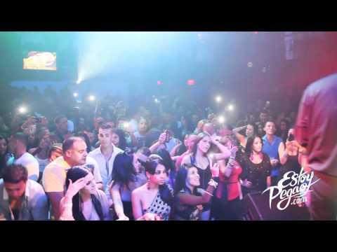 Cosculluela Live at Ache. Miami, FL October 7, 2011 (EstoyPegao.com)