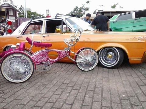 Low Rider Bike and Car.. ((São Paulo Brasil))