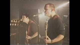 Gambar cover Green Day - Scattered - Live at TFI Friday