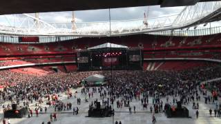 All time Low Live @ Emirates Stadium-Time Bomb