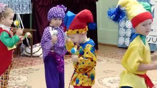 Петрушка Приходит В Детский Сад Новый Год