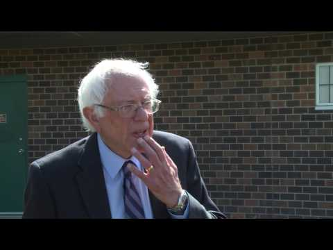 Bernie Talks to Press in Rapid City | Bernie Sanders