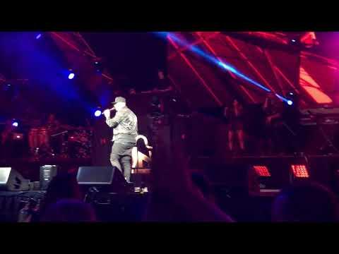 Nicky Jam at the SAP Center 8.11.17