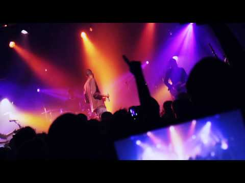 Youtube: Gaël Faye – Medley album«Pili Pili sur un Croissant au Beurre»