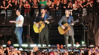 Hesitate - Jonas Brothers (live)