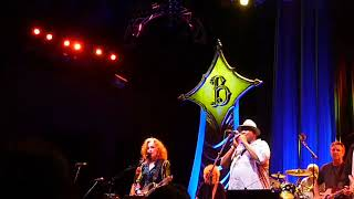 Taj Mahal & Bonnie Raitt- Blues jam (Prospect Pk- Wed 8 12 09 Encore)