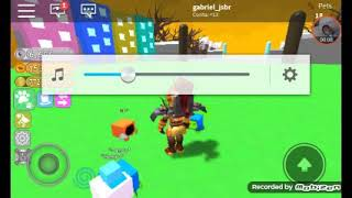 Going to the Spaco in the ROBLOX in the pet simulator
