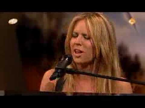 Lucie Silvas - The Same Side @ Max & Catherine
