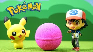 Pokemon toy Figures BATH BALL - Unboxing Surprise Egg pokémon Toys  pikachu etc.