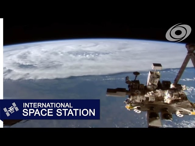 Cyclone Debbie from the ISS (06:28Z, Mar 26)