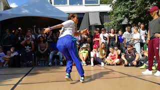 Bgirl Campanita (VE) VS Bgirl Jilou (GER) top 16 IBE 2018 UNDISPUTED BGIRL BATTLE