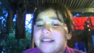 niñas que cantan mal cansiones de violetta!!! thumbnail