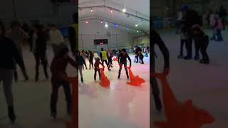 Ice skating with Sol and Zyv(3)
