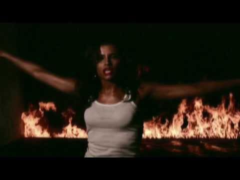 Nelly Furtado:  Mash up by DJ Earworm