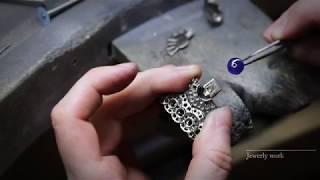 Know-how: Sous la Lune necklace