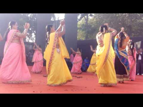 Kankariya carnival ahmedabad garba performance by laughing club maninagar