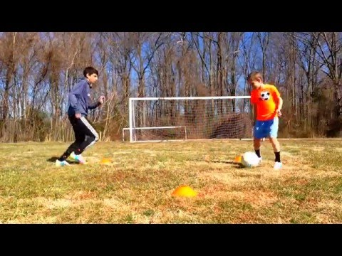Testing out the new (2014) Lionel Messi cleats |StraightUpSoccer|