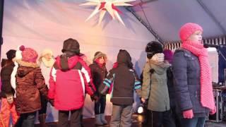 Cottbuser Kindermusical auf dem 10. Adventsmarkt Klosterkirchplatz in Cottbus