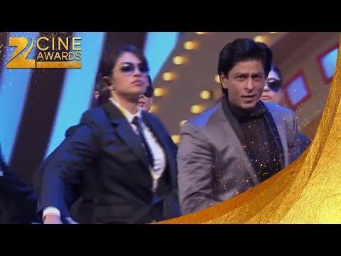 Zee Cine Awards 2012 Priyanka & Shah Rukh Khan's Funny Act