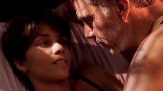 бал монстров (2001) - Я могу прикоснуться к тебе? | Момент из фильма