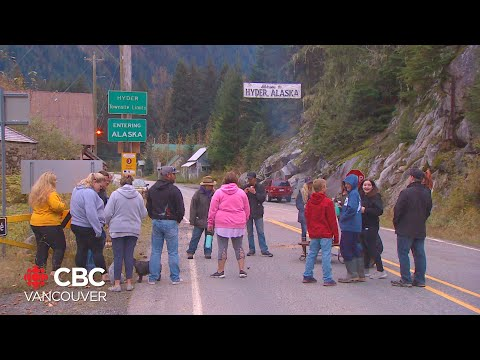 Canada-U.S. Border Towns Fight For Right To Bubble Together