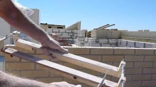 супер приспособление для кладки кирпича....Nivok111 в ахе(здесь изготовитель приспособления //www.youtube.com/channel/UCRIWAxkiSC8lHxwtvE3PvEg., 2015-06-06T16:48:52.000Z)