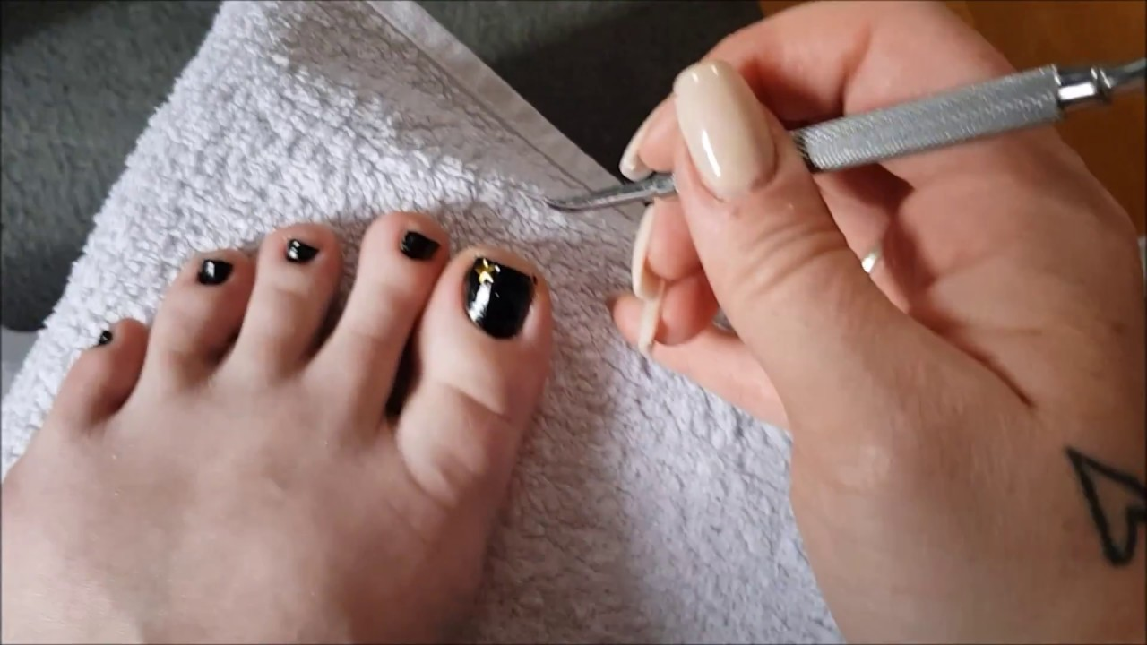 7674f4f8a71 Easy at home pedicure   Get your feet ready for spring - YouTube