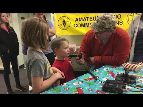 Santa talks to children on ham radio