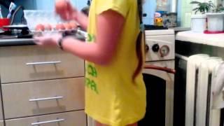 Как пожарить яйца