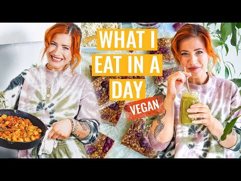 What I Eat in a Day (Easy VEGAN Recipes + Meet my NEW RESCUE DOG!)