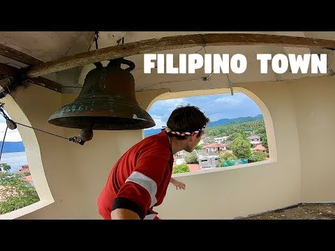 EXPLORING A SMALL FILIPINO TOWN WITH KULAS - San Juan Has Giraffes!?