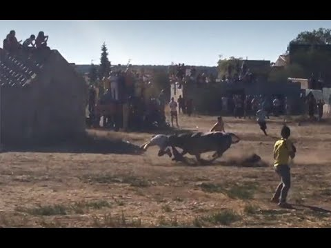 Un joven fallece tras ser corneado en un encierro en Valfermoso de Tajuña