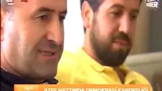 ATEŞ HATTINDA DEMOKRASİ KARDEŞLİĞİ- YARALI ALBAY MAHMUT PINARBAŞI'YI SIRTINDA TAŞIDI...