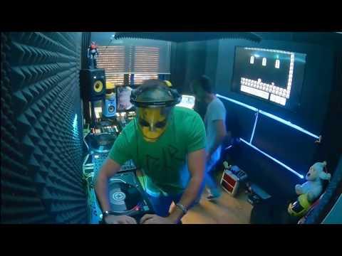 099 // The YellowHeads Studio Mix // 099